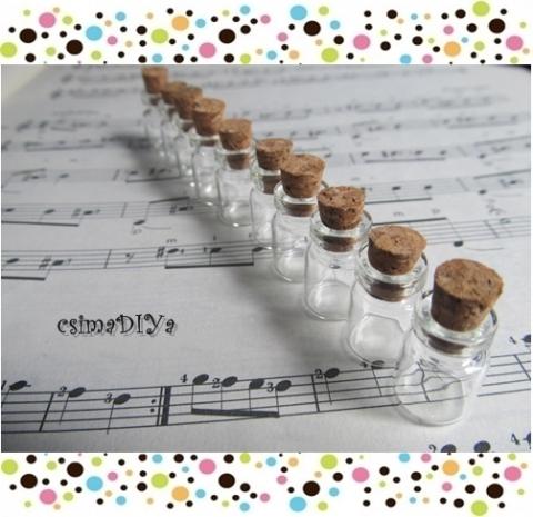 Mini üveg, üvegcse, Gyöngy, ékszerkellék, Üveg, Egyéb alkatrész, Az ár 10 darab üvegcsére vonatkozik. (Darabára: 150 Ft)  Termék anyaga: üveg, parafa Üvegcse ..., Alkotók boltja