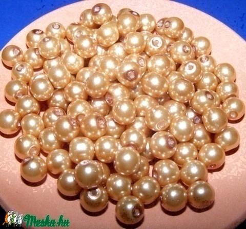Viaszgyöngy 8mm(arany), Gyöngy, ékszerkellék, Üveggyöngy, Viaszgyöngy 8mm(arany) A csomag tartalma kb.110db viaszgyöngy vagy más néven üveg tekla., Alkotók boltja