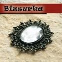 Antik bronz, díszkeretes medál alap (5446) + üveglencse (22x30), Gyöngy, ékszerkellék, Antik bronz, ovális, díszkeretes medál alap.A medálba 24 db  2,2 mm-es strassz való. Medál mérete: 5..., Alkotók boltja