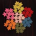 Színes, tarka virág alakú fa gombok - 50 db (9 Ft/db), Fa, Gomb, Mindenmás, Színes, tarka-barka, fából készült, virág alakú gombcsomag.  7-7 darab a következő színekből: citro..., Alkotók boltja