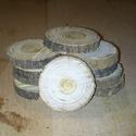 fakorong - fehéreper, Fa, Egyéb fatermék, Famegmunkálás, 3-6 cm átmérőjű, 7 mm vastagságú fakorongok. 1 csomag 10 db-ot tartalmaz. Az eperfa fája igen kemén..., Alkotók boltja
