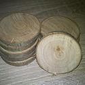 fakorong - szilva, Fa, Egyéb fatermék, Famegmunkálás, 4-6 cm átmérőjű, 7 mm vastagságú fakorongok. 1 csomag 10 db-ot tartalmaz. A gyümölcsökre jellemző s..., Alkotók boltja