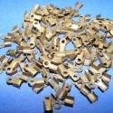 Bőrvég(430.minta/50db), Gyöngy, ékszerkellék, Egyéb alkatrész, Bőrvég antik bronz színben. Mérete 7x3mm(befogó rész 3x3x2mm) A furat mérete 1,8mm. Az ár 50 db term..., Alkotók boltja