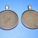 Medál alap (101.minta 2db), Gyöngy, ékszerkellék, Egyéb alkatrész, Medál alap kerek (antik bronz színben,2db) Mérete 41x32x4mm.A belső mérete 30mm.(üveglencse:902.mint..., Alkotók boltja