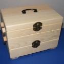 Varrós doboz, Varrós doboz Mérete H-17,5xSZ-12xM-13cm.  Anyaga:fenyőfa  422gr., Alkotók boltja