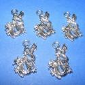 Medál (690. minta/5 db) - sárkány, Gyöngy, ékszerkellék, Egyéb alkatrész, Ékszerkészítés, Szerelékek, Medál (690. minta) - sárkány - antik ezüst színben  Mérete: 27x16 mm  Az ár 5 darab termékre vonatk..., Alkotók boltja
