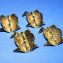 Zsanér 7 minta (tüskés kicsi 4db), Csat, karika, zár, Famegmunkálás, Fémmegmunkálás, ötvösség, Szerelékek, Zsanér 7 minta (tüskés kicsi 4db)arany-bronz színben. A zsanér mérete:24x23mm. Az ár 4db zsanérra v..., Alkotók boltja