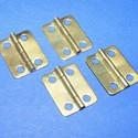 Zsanér (9. minta/4 db) - 16x13 mm, Szerszámok, eszközök, Fémmegmunkálás, ötvösség, Ékszerkészítés, Famegmunkálás, Szerelékek, Zsanér (9. minta) - arany színben  A zsanér mérete: 16x13 mm A furat mérete: 3 mm  Az ár 4 darab zs..., Alkotók boltja