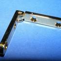 Zsanér (10. minta/2 db) - 31x6 mm, Szerszámok, eszközök, Fémmegmunkálás, ötvösség, Ékszerkészítés, Szerelékek, Zsanér (10. minta) - arany színben  A zsanér mérete: 31x6 mm A furat mérete: 2,5 mm A nyitási szög:..., Alkotók boltja