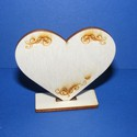 Talpas szív (gravírozott 1db), Fa, Egyéb fatermék, Famegmunkálás, Ékszerkészítés, Szerelékek, Talpas szív ,az egyik oldalon gravírozott mintás. Ültetőkártyának kiválóan megfelel,de más alkalmi ..., Alkotók boltja