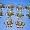 Gyöngykupak-9 (10db), Gyöngy, ékszerkellék, Egyéb alkatrész, Gyöngykupak,virág kehely (bronz színben) Mérete 18mm. A termékeim között található akril virágszirmo..., Alkotók boltja