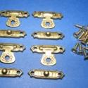 Doboz csat-15 (bronz, 4db+16db csavar), Csat, karika, zár, Fémmegmunkálás, ötvösség, Famegmunkálás, Szerelékek, Díszes doboz zár(kicsi 4db)bronz színben. Mérete felső rész 28x16mm        alsó rész 28x6mm A csoma..., Alkotók boltja