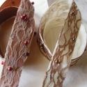 Kézműves szalag, Textil, Dekorációs kellékek, Varrás, Virágkötészet, Szatén alapú,csipkével,bársonnyal és gyönggyel kombinált szalag.Felhasználható díszmasni készítéséh..., Alkotók boltja