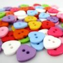 SZÍV alakú gombok -100 db, Gomb, Műanyag gomb, Vidám színes szív alakú, műanyag gombok. Gyönyörű színekben.  Méret: 11x11 cm  Az ár 100 db gombra v..., Alkotók boltja