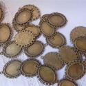 Antikolt bronz színű,  cink ötvözet, barokk-csipkés szélű, ovális medálalap, Gyöngy, ékszerkellék, Díszíthető tárgyak, Ékszerkészítés, Szerelékek, 30 db , egy csomagban megvásárolható antikolt bronz színű, barokk-csipkés szélű medálalap, fülbeval..., Alkotók boltja