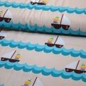 Little sailor BIO jersey textil 25x 140 cm, Textil, Pamut, Varrás, Textil, Fehér alapon kicis matróz fiú hajóban  95% bio pamut és 5% elasztán  GOTS minősítésű BIO PAMUT  A l..., Alkotók boltja