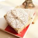 Barna Csipkés kraft papír ajándékdoboz, Csomagolóanyag, Doboz, henger, CSIPKÉS papír ajándékdoboz  Akár bonbonnak, szappannak,ékszernek vagy egyéb kis ajándéknak  Esküvőre..., Alkotók boltja