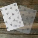 Mintás viaszos szappan csomagolópapír KÉK VIRÁG, Csomagolóanyag, Papír, Gyönyörű mintás csomagoló szappanhoz  10 db/csomag  Áttetsző megoldás  Viaszolt  Méret: 15cm x 21cm ..., Alkotók boltja