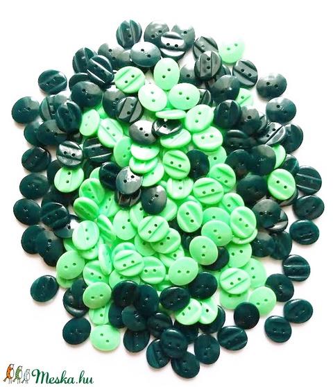 Zöld színű gombok, Gomb, Műanyag gomb, Alkotók boltja