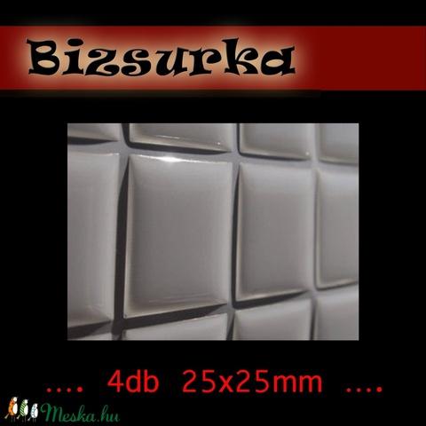4 db négyzet alakú epoxi matrica  25x25mm, Gyöngy, ékszerkellék, Cabochon, Alkotók boltja