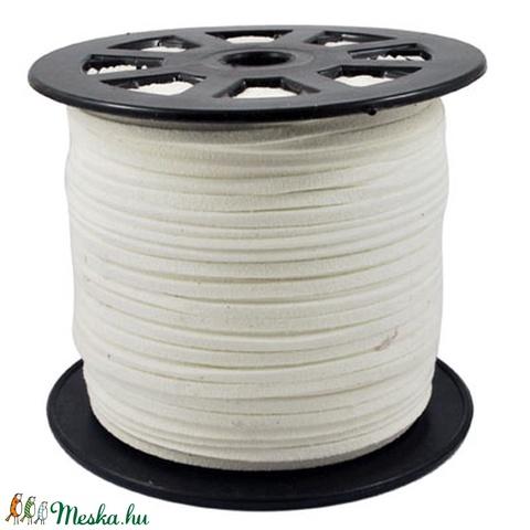 Szarvasbőr utánzat-12 (3x1,5 mm/1 m) - fehér, Vegyes alapanyag, Egyéb alapanyag, Alkotók boltja