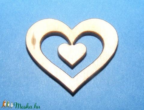Fa alap (74. minta/1 db) - kicsi szív, Fa, Alkotók boltja