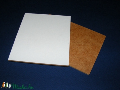 Farostlemez (26x26 cm/1 db) - fehér/natúr, Fa, Alkotók boltja