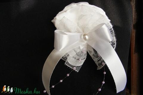 Kitűző esküvőre 8e9eb2d4ca