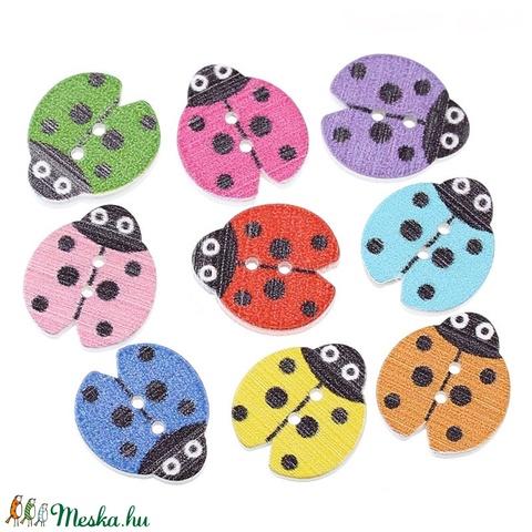 Katica formájú gombok vegyes színekben, Dekorációs kellékek, Gomb, Alkotók boltja