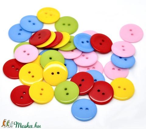 Kerek 23 mm-es színes gombok vegyes színekben, Dekorációs kellékek, Gomb, Alkotók boltja
