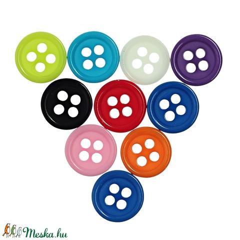 Kerek 9 mm-es négy lyukú gombok vegyes színekben, Dekorációs kellékek, Gomb, Alkotók boltja