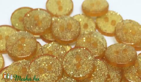 Arany glitteres műanyag gomb 20 db, Dekorációs kellékek, Gomb, Alkotók boltja