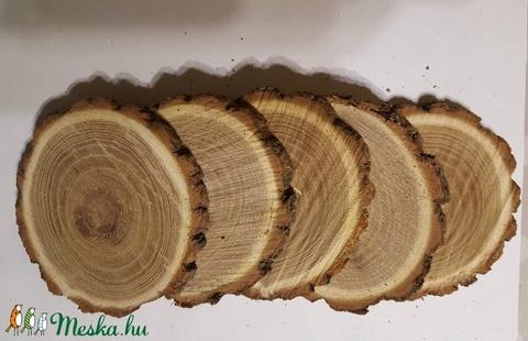 8-10 cm átmérőjű  fa korong ,fa szelet, szeletelt fa vsatag korong, Fa, Rétegelt lemez, fa alap, Alkotók boltja