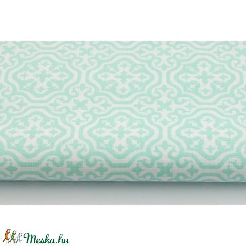 Türkiz - fehér színű marokkói mintás textil, menta és fehér Moroccan minta, mozaikos, Textil, Alkotók boltja