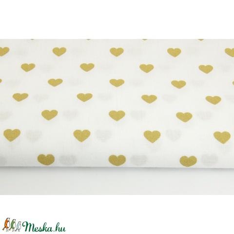 Arany - fehér színű szívecske mintás textil, Textil, Alkotók boltja