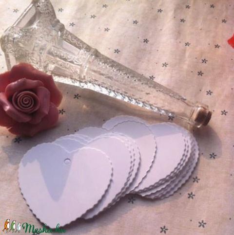 10 db szív kísérőkártya, Dekorációs kellékek, Papír, Alkotók boltja