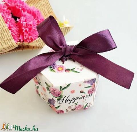 20 db Happiness ajándékdoboz, Csomagolóanyag, Papír, Alkotók boltja