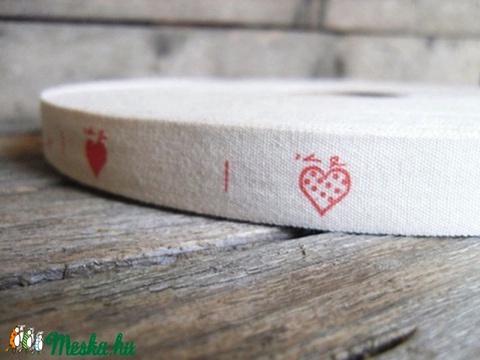 Piros szív mintás pamut szalag - 15mm, Textil, Szalag, pánt, Alkotók boltja