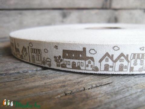 Barna ház mintás pamut szalag - 15mm, Textil, Szalag, pánt, Alkotók boltja