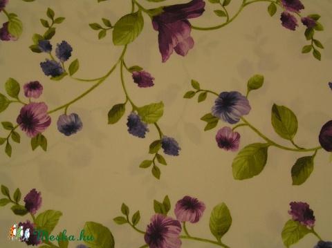 Lila virágos pamutszatén 356a3789f0