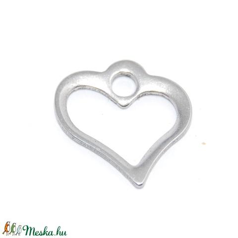 Nemesacél szív alakú charm, fityegő, Gyöngy, ékszerkellék, Egyéb alkatrész, Alkotók boltja
