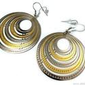 f?m fülbevaló karikával 46 mm 1 pár ezüst/arany színű, ezüst alap. A fülbevaló nagyon könnyű., Alkotók boltja
