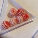 Szamballa, shamballa gyöngy 14 mm 6db, Gyöngy, ékszerkellék, Kerámiagyöngy, Szamballa, shamballa gyöngy 14 mm 6db/cs 3 rózsaszin és 3 piros, Alkotók boltja