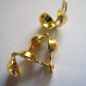 - Arany színű csomófogó 10 db/ cs., Gyöngy, ékszerkellék, Egyéb alkatrész, Arany színű csomófogó, csomórejtő.  Nikkelmentes.  Mennyiség: 10 db / csomag  Csomók, stopperek elre..., Alkotók boltja