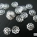 - 7 mm filigrán gyöngykupak 30 db/cs., Gyöngy, ékszerkellék, Filigrán gyöngykupak.  Méret: 7 mm Lyuk: 0,5 Szín: ezüst Mennyiség: 30 db / csomag  Gyöngyök díszíté..., Alkotók boltja