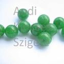 - Jade 6 mm, 10 db/ cs. festett zöld, Gyöngy, ékszerkellék, Féldrágakő, Természetes jade gyógyítókő.   Természetes ásvány.  Festett.  Mérete: 6 mm Lyuk: 1 mm   Az ár 10 db/..., Alkotók boltja