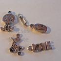 - 5 db vegyes medál, antik ezüst  MIX!, Gyöngy, ékszerkellék, Tibeti, antik ezüst színű, vegyes medálok.   Mérete: 5~15mm széles, 14.5~24mm Lyuk: 2 -2,5 mm Színe:..., Alkotók boltja