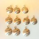 Ezüst színű medál /dísz/charm, Gyöngy, ékszerkellék, Fém köztesek, Átmérője 15mm  Megvásárolható 5 csomag.  Az ár 10db-ra vonatkozik., Alkotók boltja