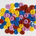 80 db színes gomb, Gomb, Műanyag gomb, Sárga, lila, barna és kék színű műanyag gombok  Méret:18 mm  Ára: 800 Ft / 80 db, Alkotók boltja