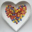 120 db színes gomb, Gomb, Műanyag gomb, Piros, pink, bordó, sárga, okker és kék színű műanyag gomb.  Méret:13 mm  Ára: 900 Ft / 120 db..., Alkotók boltja